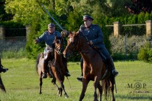 Read more about the article Piknik historyczno-militarny w Cieszanowie